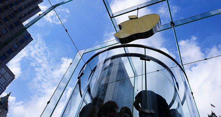 Фирменный магазин Apple на 5-й авеню в Нью-Йорке