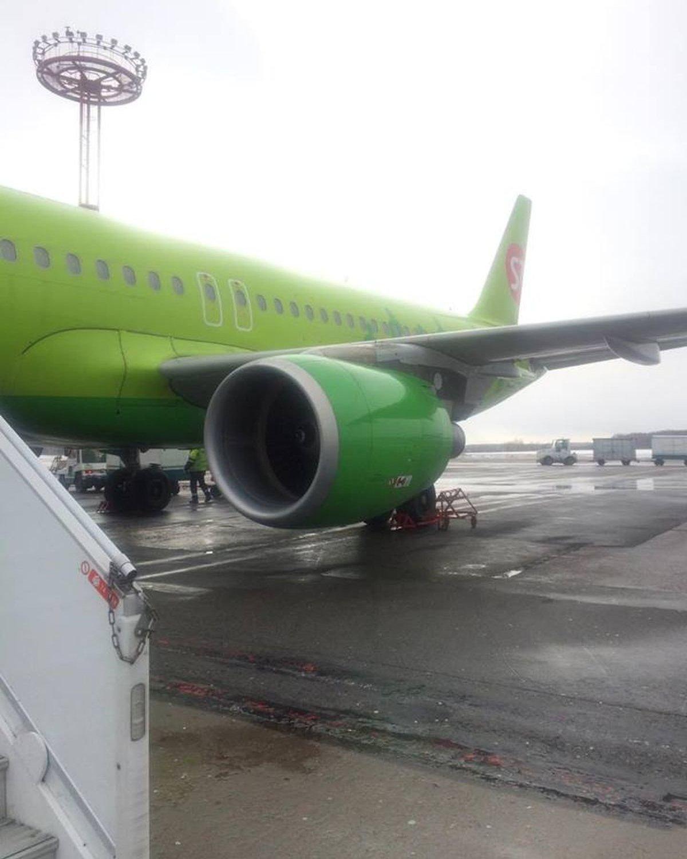 Самолет компании S7 – рейс Москва-Тбилиси
