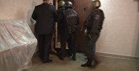 Спецназ задержал международную банду хакеров - съемка МВД РФ