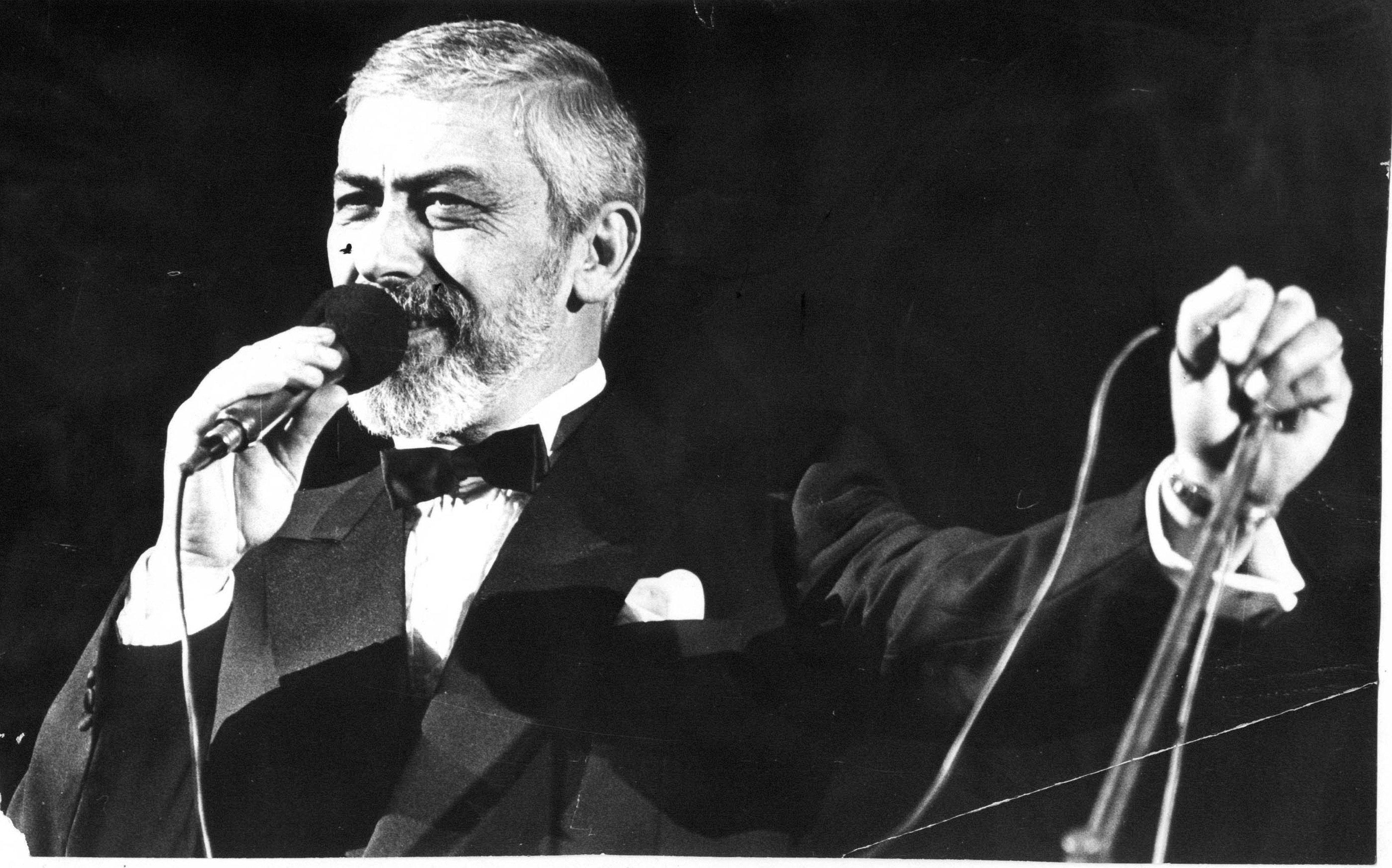 Советский и грузинский эстрадный певец, сценарист, кинорежиссёр Вахтанг Константинович Кикабидзе