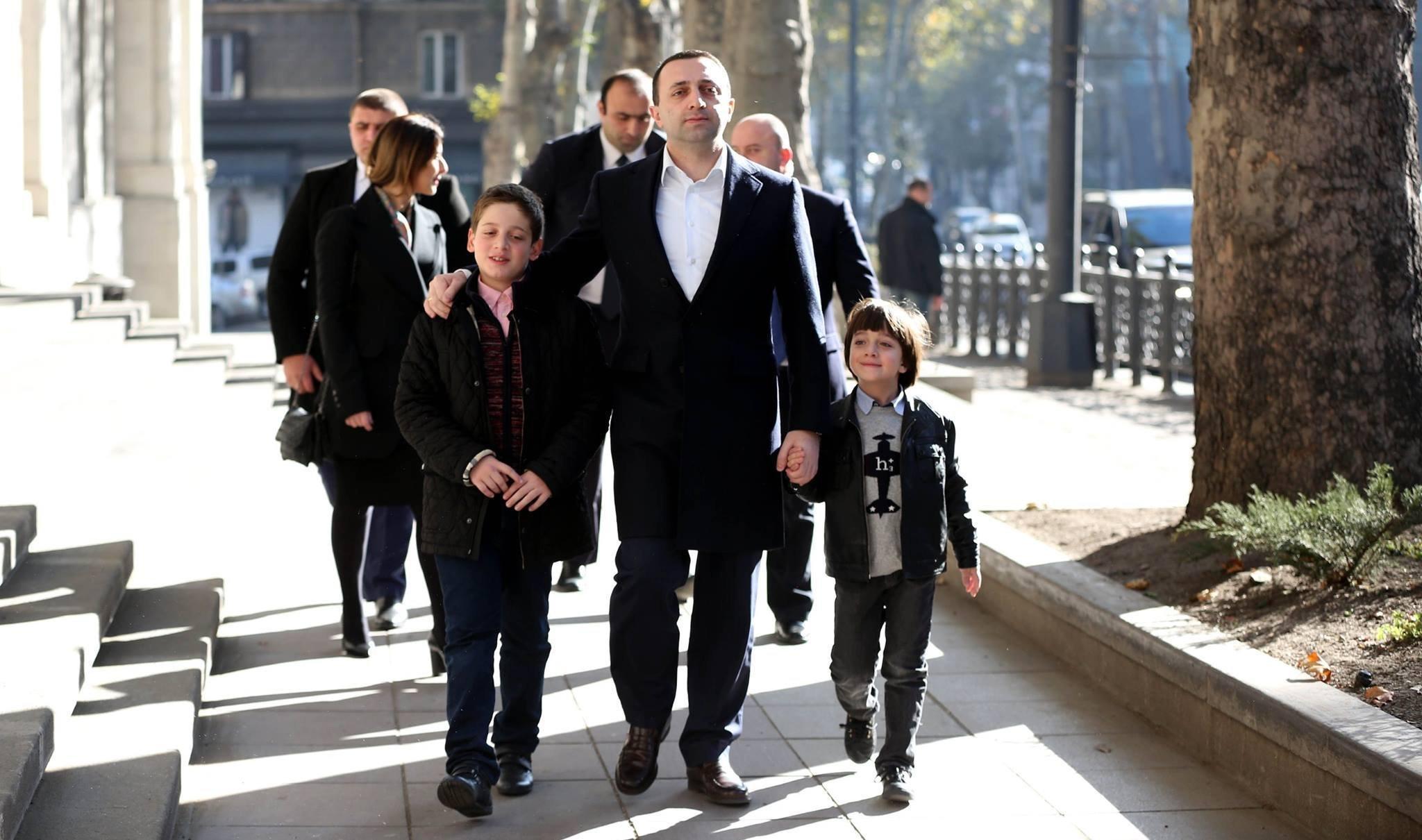 Ираклий Гарибашвили с сыновьями
