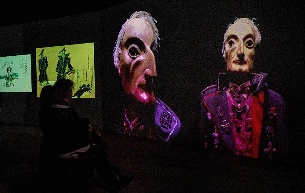При оформлении мультимедийного проекта Резо Габриадзе Необыкновенная выставка использовались все самые современные средства.