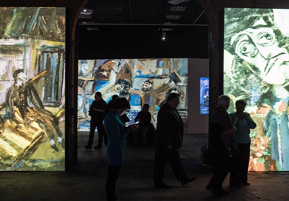 На открытии мультимедийного проекта Резо Габриадзе Необыкновенная выставка в Красном зале Музея Москвы.