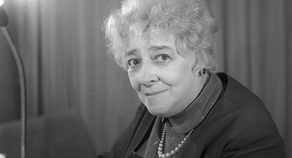 Советская актриса театра и кино, народная артистка СССР Фаина Раневская.