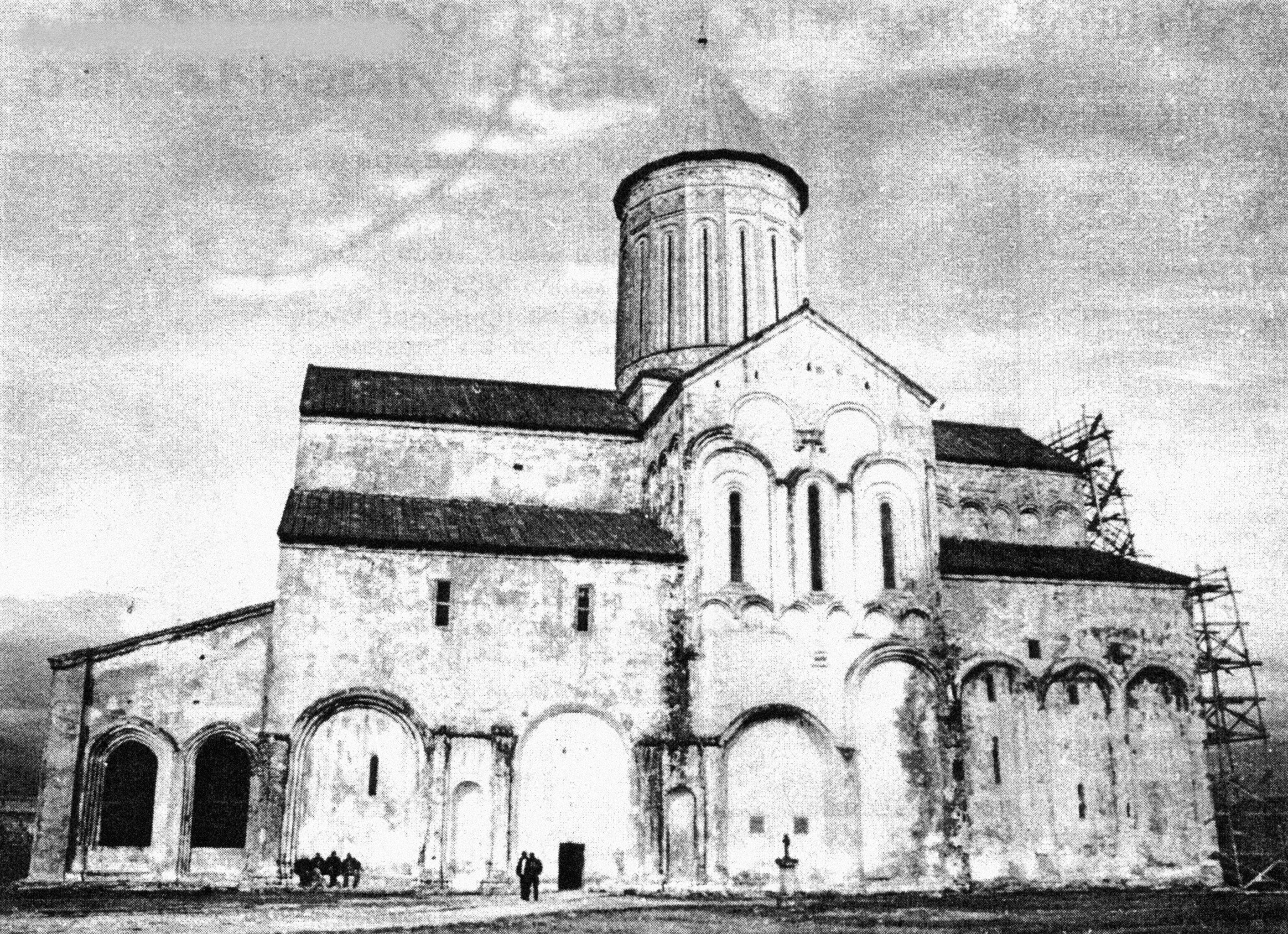 Собор Алаверди - главный храм в городе Телави в Кахетии. Архивное фото