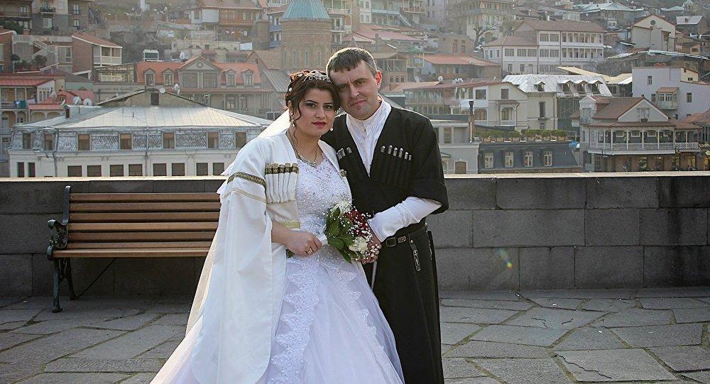 ახალდაქორწინებულები