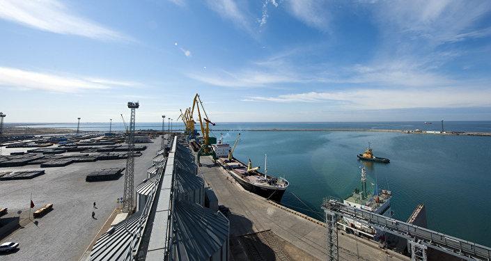 Морской порт Актау в Казахстане. Архивное фото