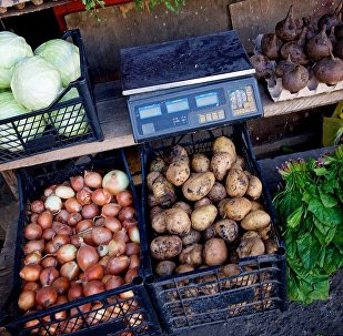 Торговля овощами на одной из тбилисских улиц
