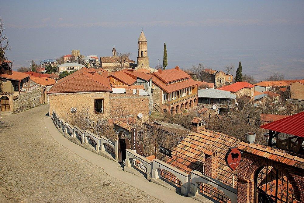 Удивительно, но про историю известнейшего города Грузии совершенно ничего не известно. Иногда его называют древним городом, хотя он построен во второй половине XVIII века царем Ираклием II.
