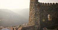 Некоторые грузины называют стену «Великая грузинская стена», говорят, что она вторая по протяженности после Великой Китайской.
