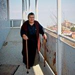 Изольде Киколовой 67 лет. Тридцать из них она вместе с семьей прожила в доме, с веранды которого открывается сказочный вид на Алазанскую долину.