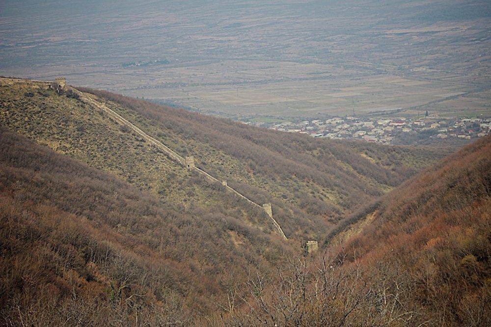 Крепостная стена в городе Сигнахи на востоке Грузии.