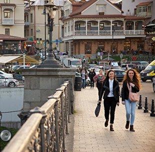 Метехский мост в центре Тбилиси