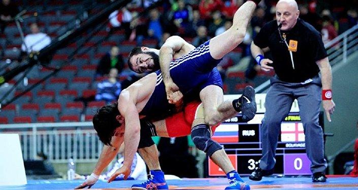 Борьба. Шмаги Болквадзе (в синем)