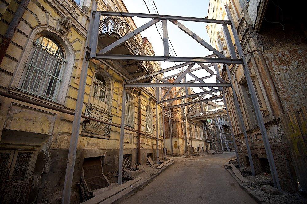 Улица Ахоспирели, ведущая к площади Гудиашвили.