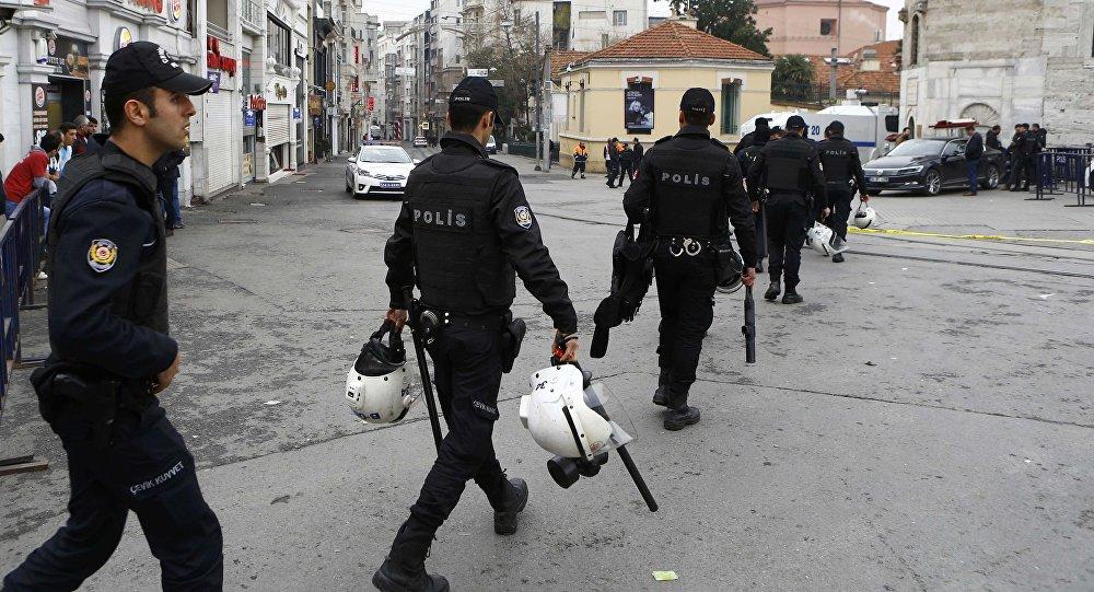 პოლიციელები სტამბოლის ქუჩებში ტერაქტის შემდეგ