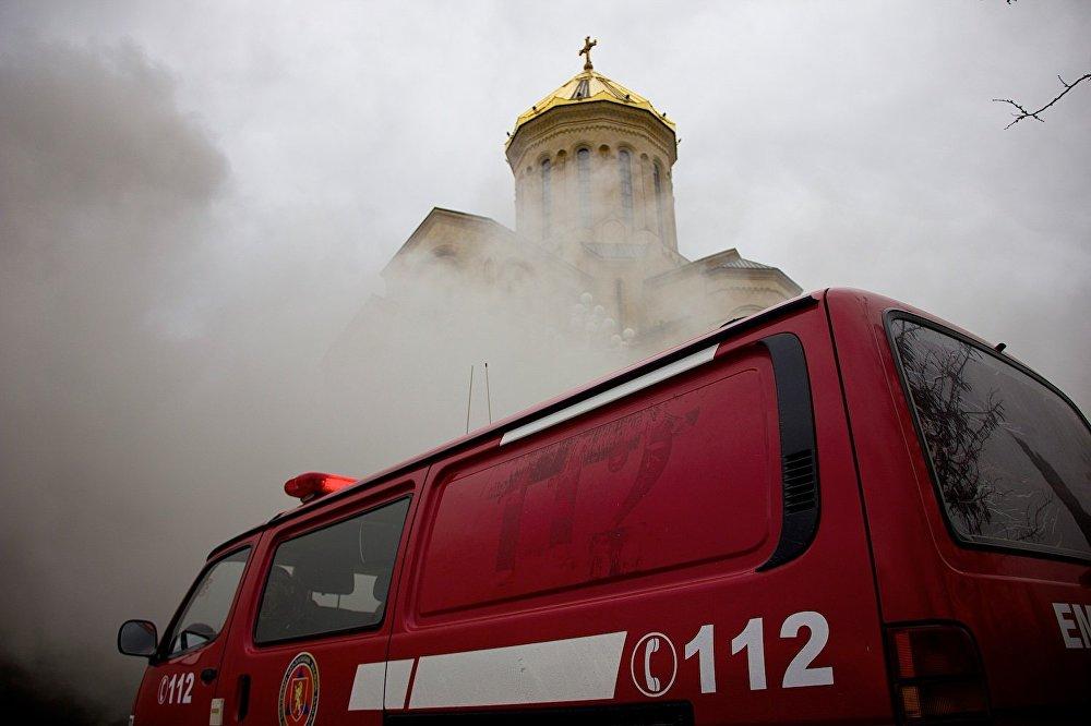 Данных об ущербе, нанесенном пожаром, пока нет. Официальные лица и представители Патриархии пока воздерживаются от комментариев.