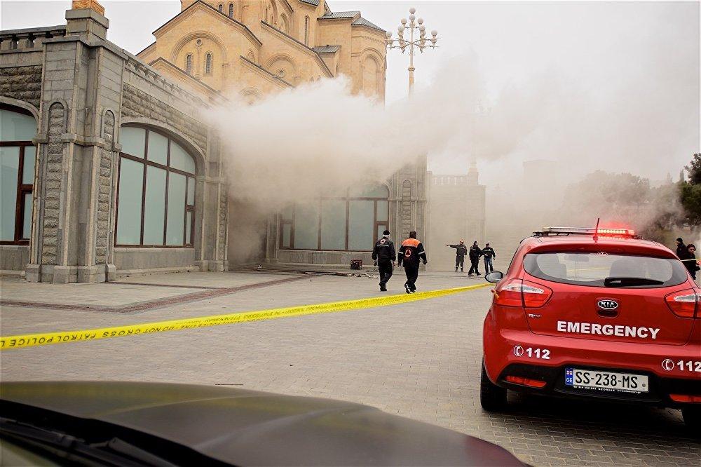 С территории храма после начала пожара все посетители были эвакуированы.