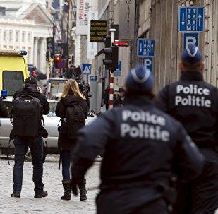 ბელგიელი პოლიციელები ბრიუსელის ქუჩაში
