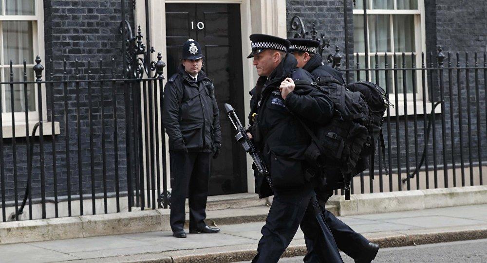 Сексуальные полицейские в обтягивающей форме