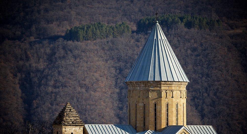 Православная церковь на территории крепости Ананури