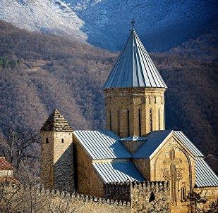 Православный храм на территории крепости Ананури