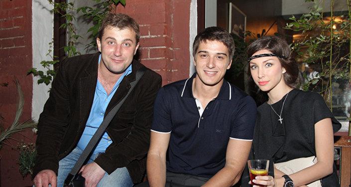 Актеры Роман Богданов, Станислав и Юлия Бондаренко (слева направо)