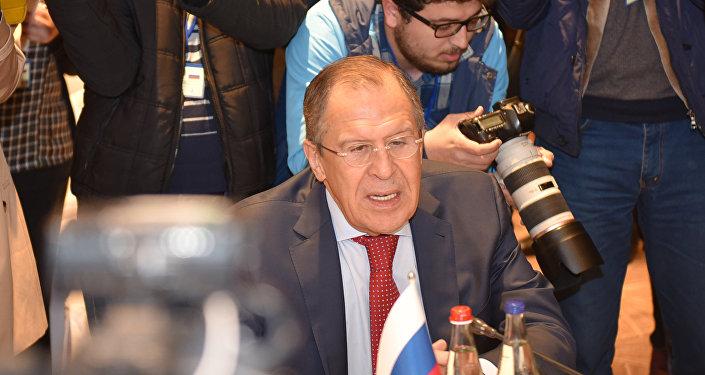 Министр иностранных дел Сергей Лавров перед началом трехсторонней встречи глав МИД Азербайджана, Ирана и России  в Баку