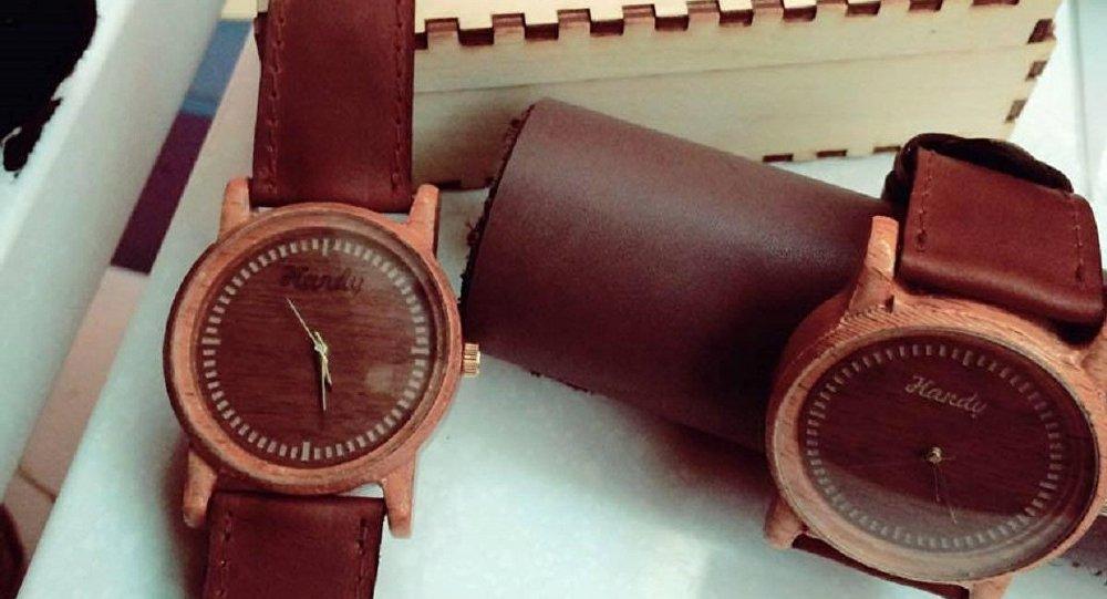 Деревянные часы, сделанные в Грузии
