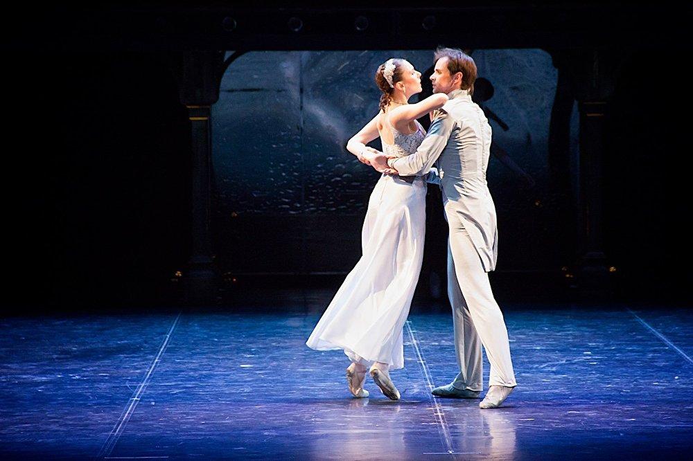 Петербургский балет Анна Каренина на тбилисской сцене. Каренина и Вронский.