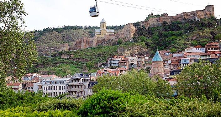 Исторический центр Тбилиси, вид на Мейдан и крепость Нарикала