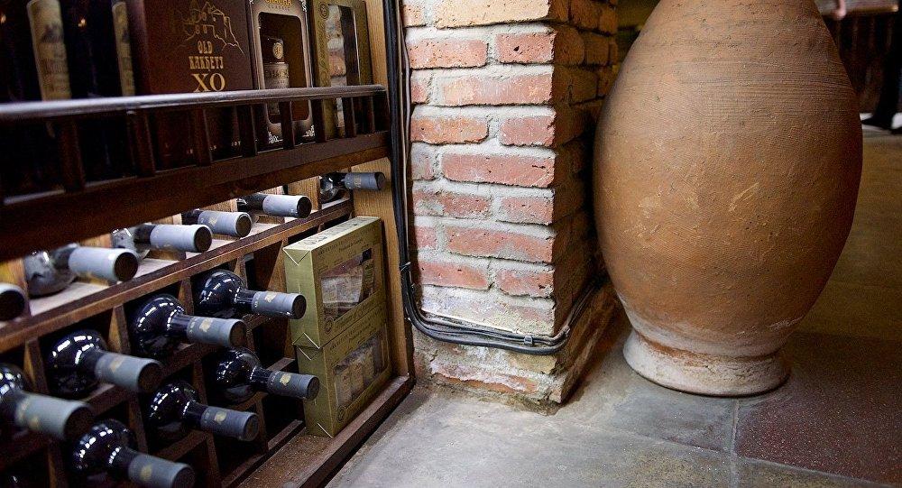 ქვევრი ღვინის ერთ-ერთ მაღაზიაში