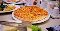 Менгрельское хачапури - в одном из тбилисских ресторанов
