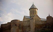 Крепость Нарикала и церковь на ее территории. Старый Тбилиси