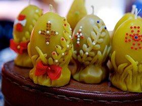Пасхальные сувениры из воска, сделанные братом и сестрой Эремашвили