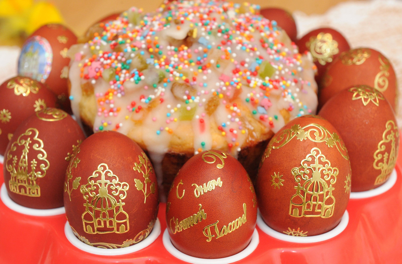 Пасха история традиции и обычаи православного праздника Пасхальный кулич и крашеные яйца