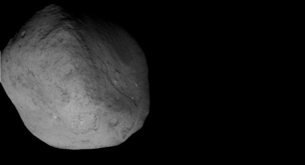 Зонд Stardust сделал снимки кометы Темпель-1