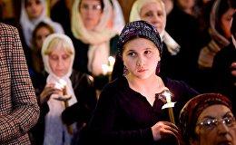 Верующие в соборе Святой Троицы Самеба