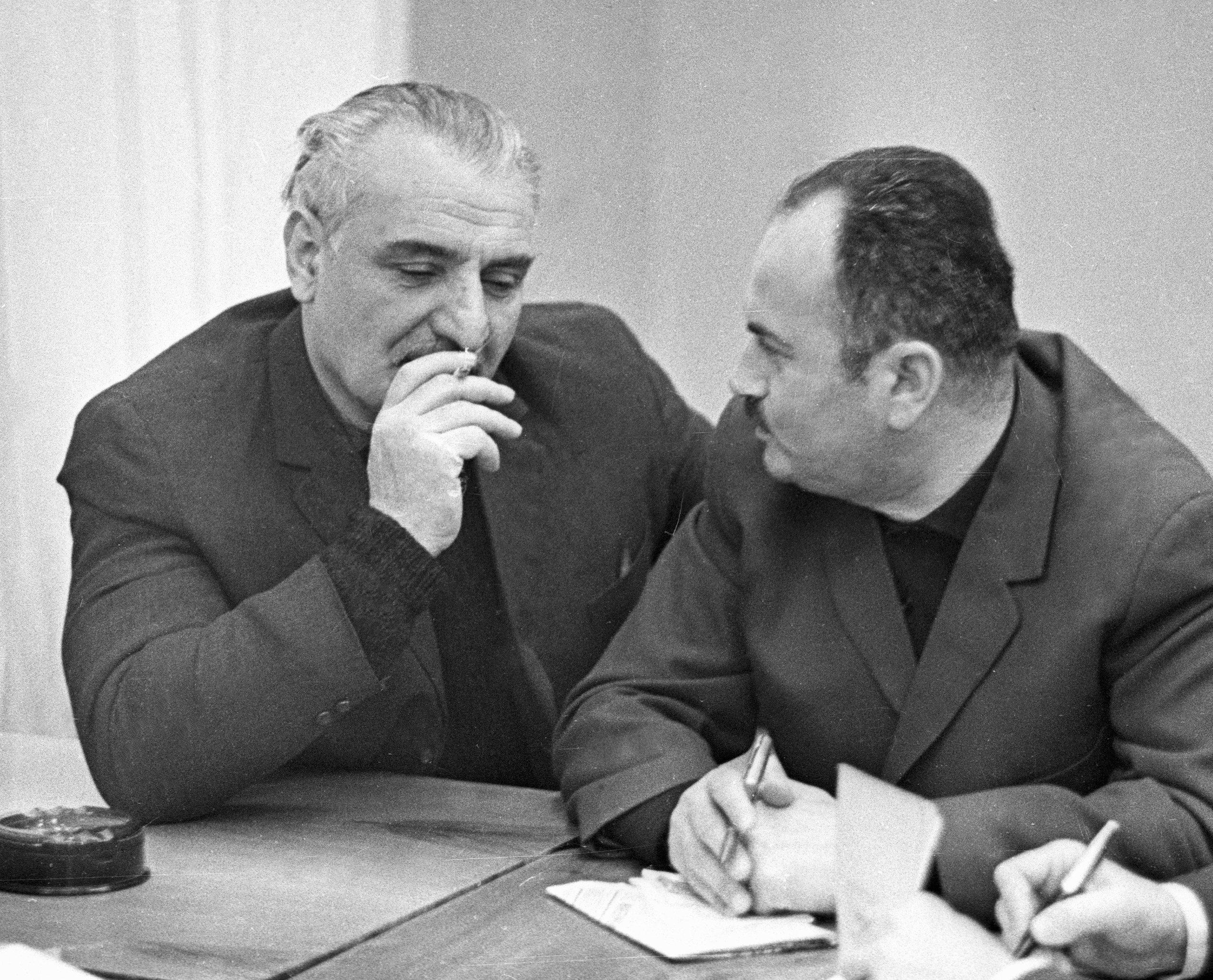 Кинорежиссер Чхеидзе и актер Закариадзе