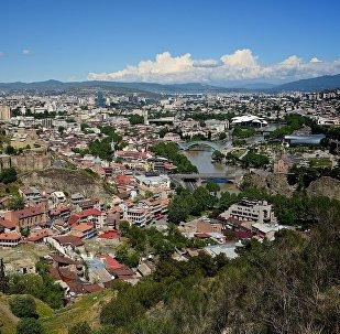 Вид на Тбилиси от монастыря Табори