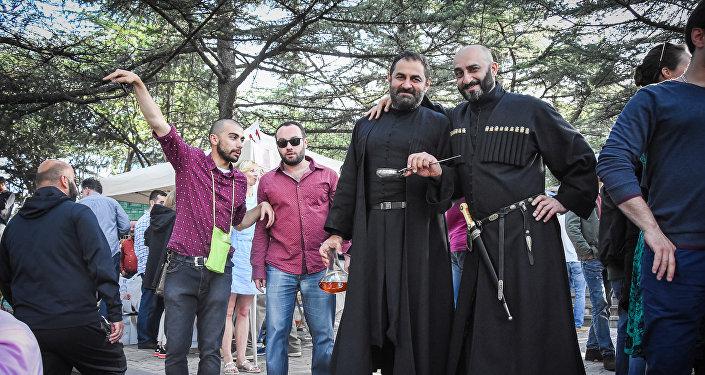 Фестиваль нового вина в парке Мтацминда