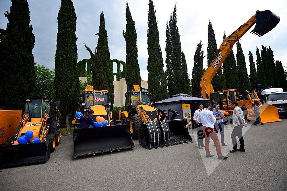 Представленная на выставке строительная техника одной из зарубежных компаний.