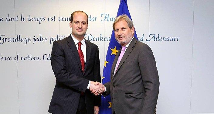 Йоханнес Хан на встрече с главой МИД Грузии Михаилом Джанелидзе
