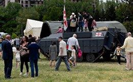 """БМП """"Лазика"""" и вертолеты """"Ирокез"""" - выставка Минобороны в Тбилиси"""