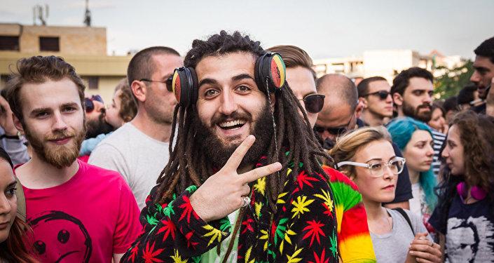Концерт сторонников легализации марихуаны в Тбилиси