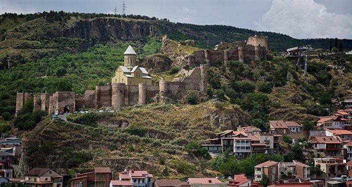 Крепость Нарикала и вид на старый Тбилиси