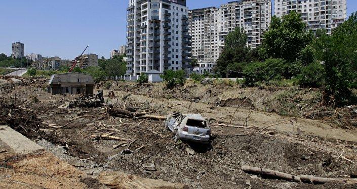 Члены партии Саакашвили попытались пробиться вмэрию Тбилиси