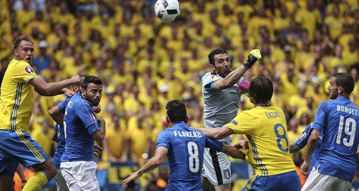 Футбол. Чемпионат Европы - 2016. Матч Италия - Швеция