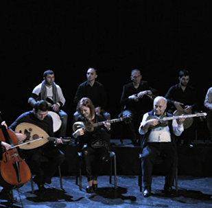 Ирландская рок-группа U2 в импровизации азербайджанских музыкантов