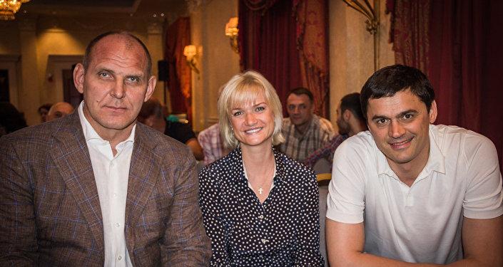 Александр Карелин, Светлана Хоркина и Александр Попов на презентации фильма Чемпионы в Тбилиси
